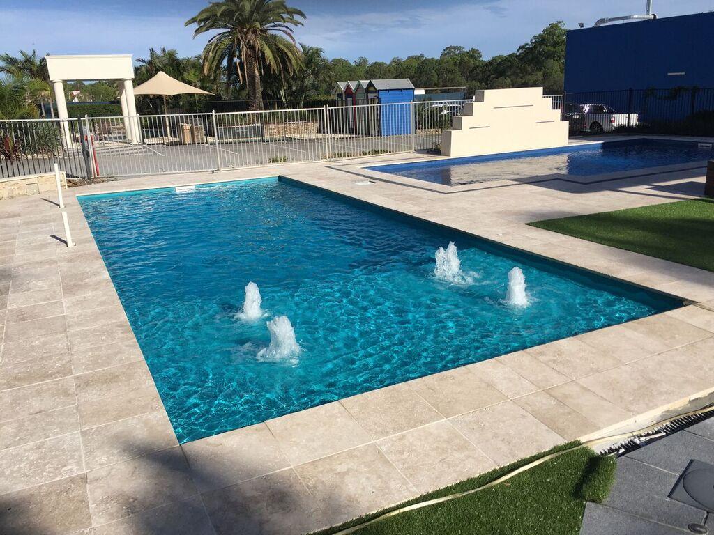 Custom Inground Pool Installers - Lowe Pools - Kentucky